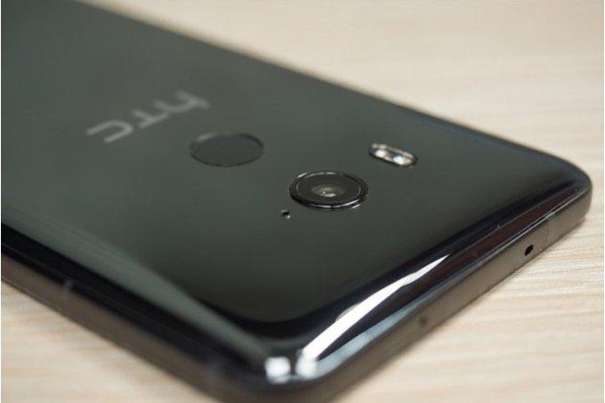 HTC lãi lần đầu tiên sau ba năm qua thua lỗ triền miên