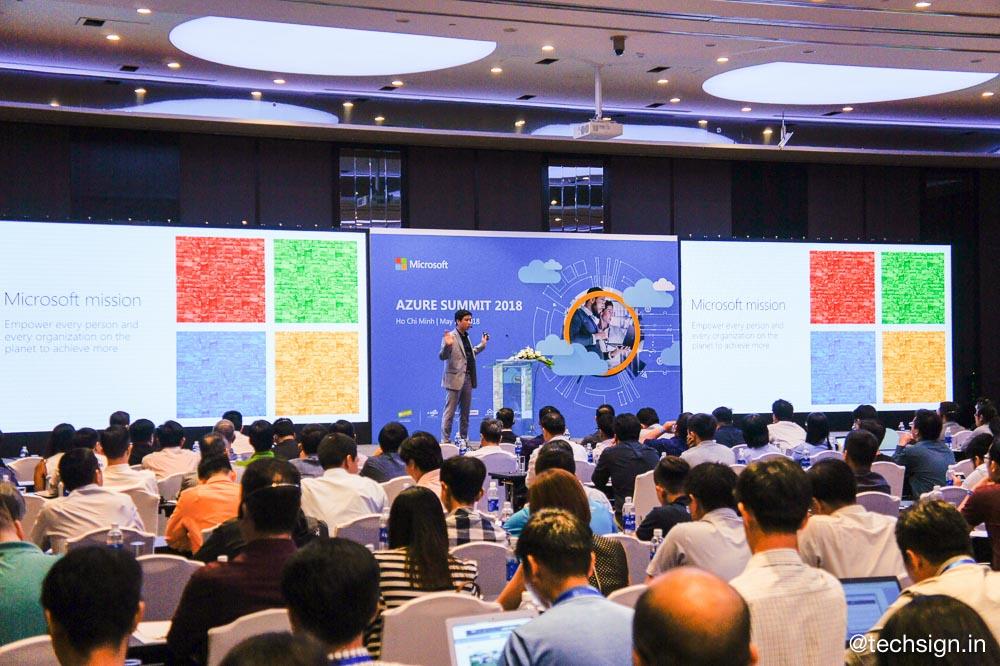 Microsoft tổ chức sự kiện Azure Summit 2018