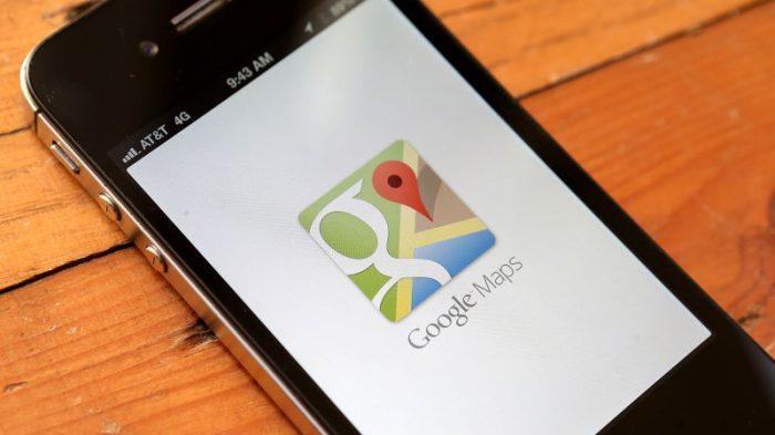 """Một phụ nữ """"khoe ngực"""" trên Google Maps"""