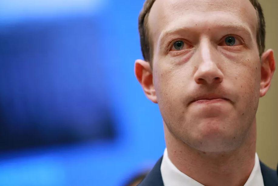 Nghị viện Anh yêu cầu Mark Zuckerberg ra điều trần