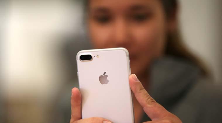 Người dùng iPhone sẽ còn không phải chờ đợi để được thay pin 29 USD