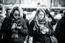 Cách cai nghiện điện thoại