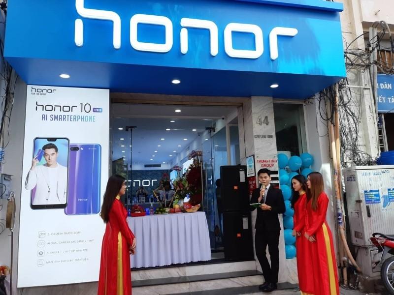 Cửa hàng trưng bày và trải nghiệm sản phẩm Honor ra mắt tại TP.HCM