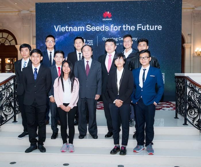 """Huawei Việt Nam khởi động Chương trình học bổng """"Hạt giống Viễn thông Tương lai"""" năm 2018"""