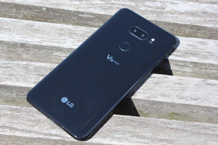 LG V40: Chiếc điện thoại đầu tiên có 5 camera