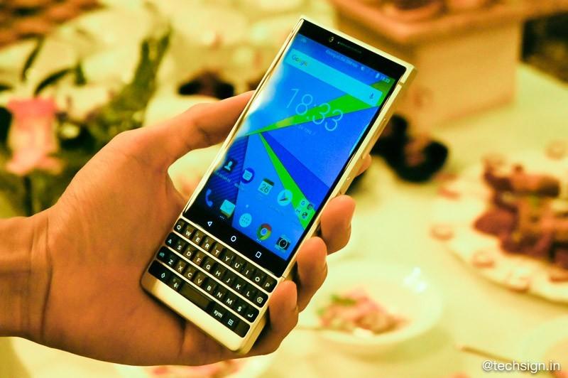 BlackBerry KEY2 chính thức lên kệ Việt, giá 17 triệu đồng