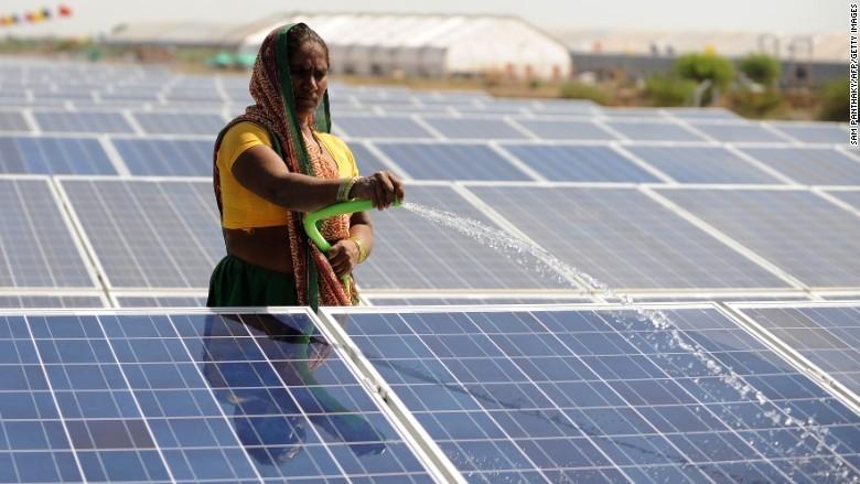 Tham vọng năng lượng mặt trời của Ấn Độ có thể đẩy nhiệt điện vào quá khứ