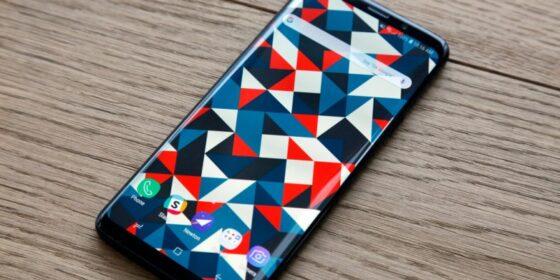 Người dùng Galaxy S9 phát điên vì thông báo đẩy quảng cáo của Samsung