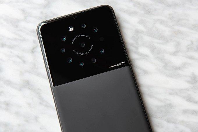 Sắp có smartphone 9 camera