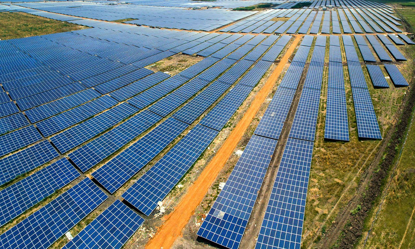Tham vọng năng lượng mặt trời của Ấn Độ có thể đẩy than đá vào quá khứ