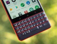 BlackBerry KEY2 LE - Smartphone có thiết kế bàn phím độc đáo