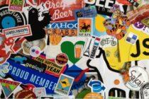 Dán sticker lên laptop có thể gây ra những nguy cơ về bảo mật