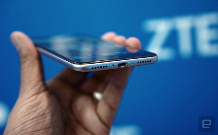 Đảng Dân chủ Mỹ cấm các ứng viên dùng điện thoại từ ZTE và Huawei