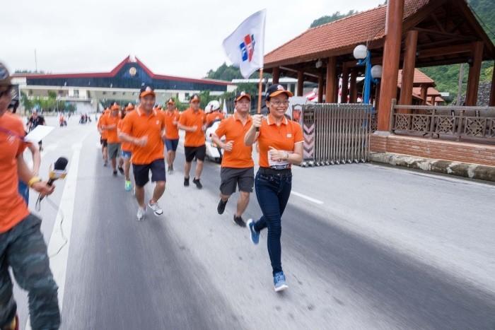 3000 cán bộ nhân viên FPT chạy tiếp sức xuyên Việt, lập kỉ lục Việt Nam