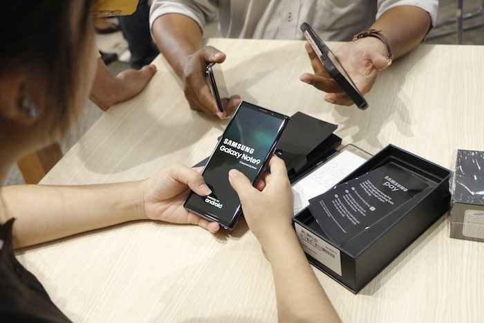 FPT Shop mở bán Galaxy Note9