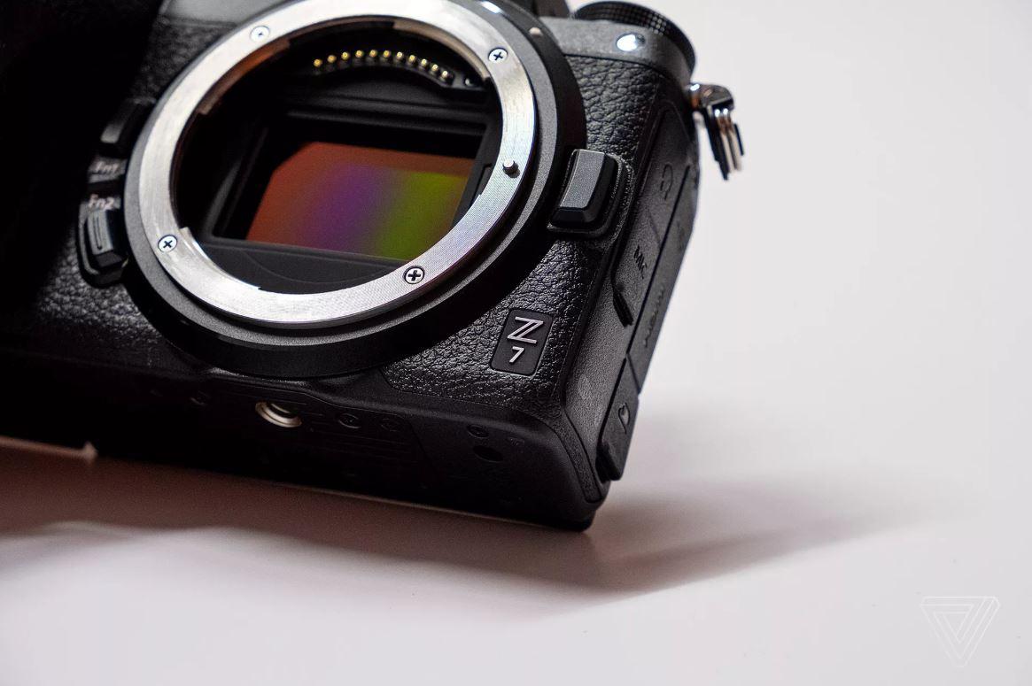 Nikon tung ra bộ đôi máy ảnh mirrorless fullframe đầu tiên của mình