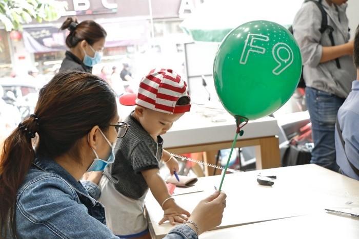 OPPO F9 lên kệ FPT Shop, hệ thống ghi nhận hơn 11.000 đơn đặt hàng