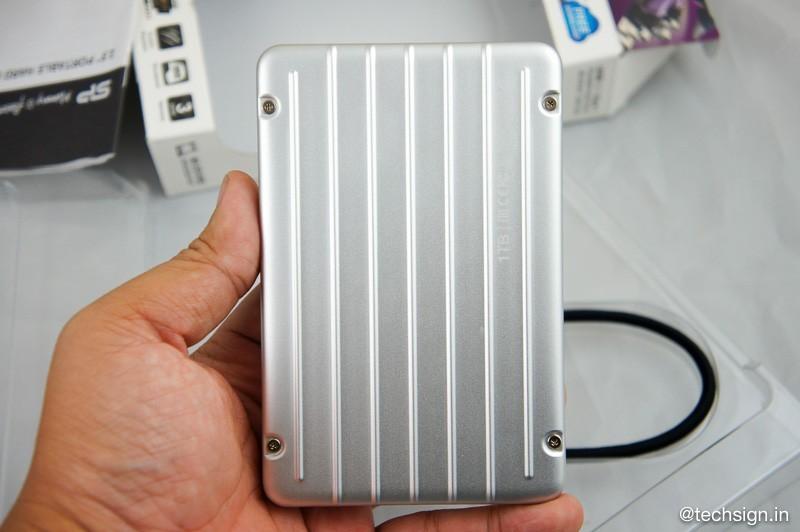 Silicon Power Armor A75: ổ cứng di động siêu mỏng với khả năng chống va đập