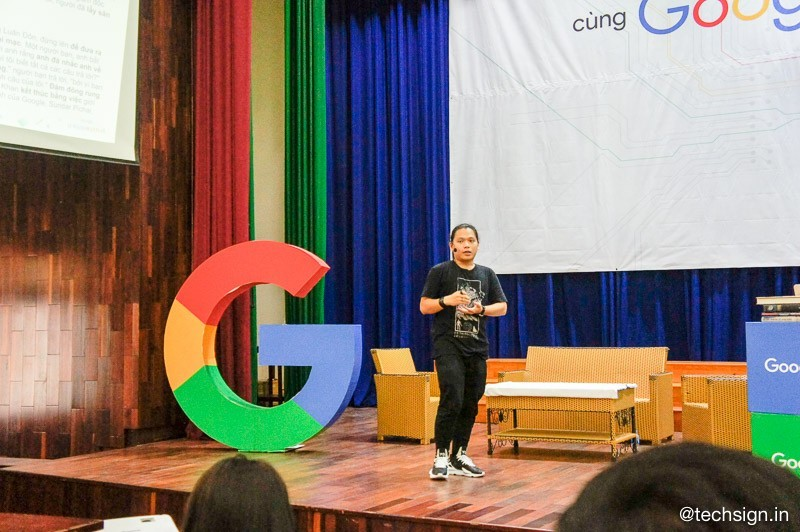 Hàng trăm sinh viên tham dự buổi talkshow về Trí tuệ nhân tạo (AI) cùng Google
