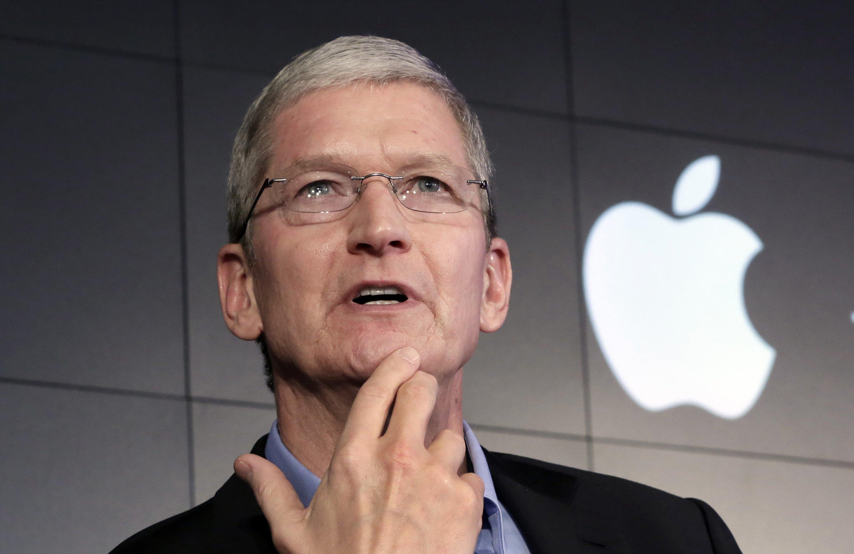 """CEO Apple: Thông tin cá nhân của người dùng đang bị """"vũ khí hóa"""""""