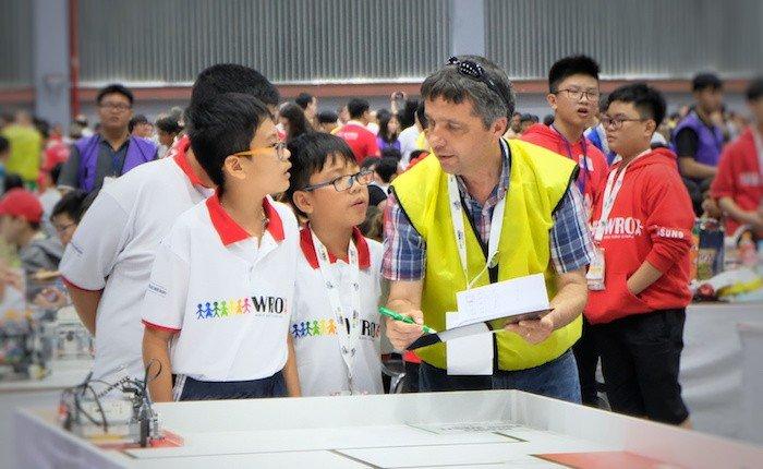 Việt Nam đoạt giải Future Innovator trong cuộc thi WRO 2018 tại Thái Lan