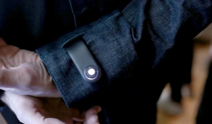 Áo khoác thông minh của Google và Levi's giúp người dùng không để quên điện thoại