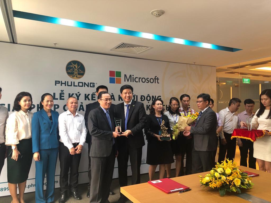 Lễ ký kết và khởi động giải pháp quản lý quan hệ khách hàng Microsoft Dynamics 365