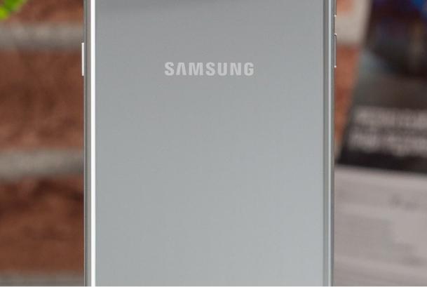 Galaxy A50 - Smartphone tầm trung mới của Samsung
