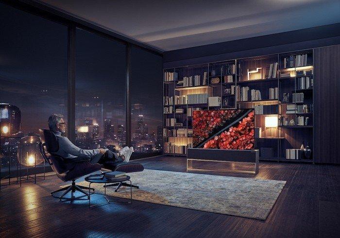 LG ra mắt TV OLED 8K lớn nhất và TV OLED cuộn đầu tiên trên thế giới