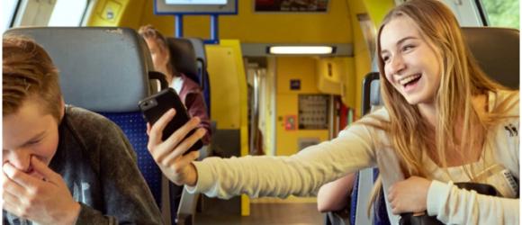 Thời gian tiếp xúc với màn hình không thực sự ảnh hưởng đến sức khỏe trẻ em