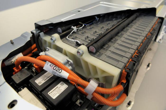 Toyota và Panasonic hợp tác sản xuất pin cho xe hơi