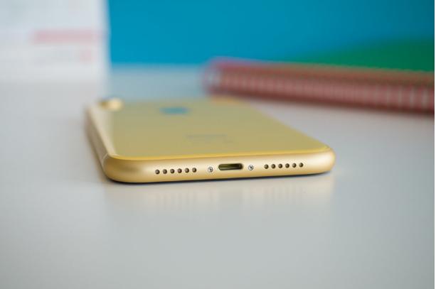 Apple giữ nguyên cổng Lightning 5W cho iPhone 2019