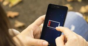 Đừng để pin điện thoại khiến bạn bị stress, hãy sạc khi có thể