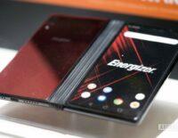 Energizer cũng có smartphone màn hình gập