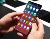 Samsung cấp bản cập nhật phần mềm đầu tiên cho Galaxy S10+