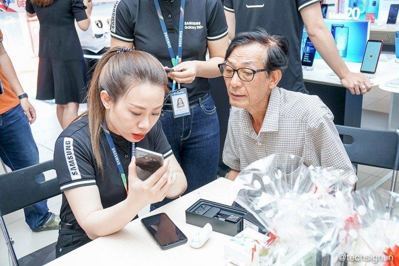 FPT Shop mở bán Samsung Galaxy S10 | S10+