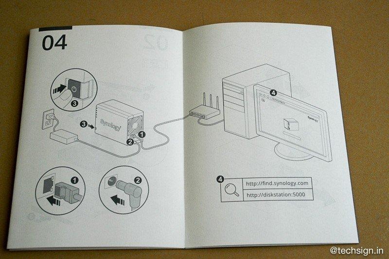 Bên trong hộp thiết bị NAS Synology DS218+