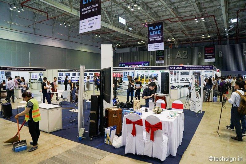 Một vòng quanh triển lãm quốc tế GameCon