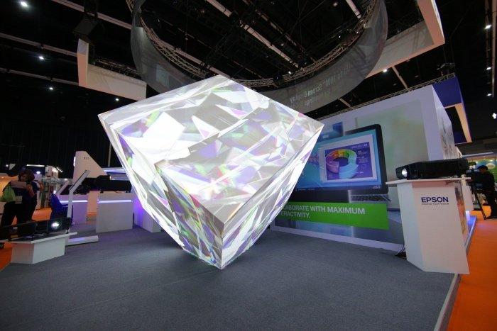 Epson biểu diễn máy chiếu siêu sáng tại Infocomm Đông Nam Á 2019
