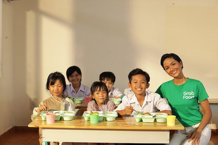 Grab góp 1 tỷ đồnghỗ trợ bữa ăn cho trẻ vùng cao trong năm học mới