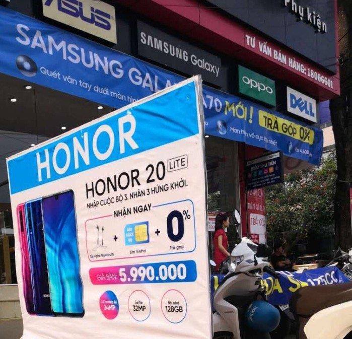 Honor 20 Lite chính thức lên kệ FPT Shop, giá 5.990.000Đ