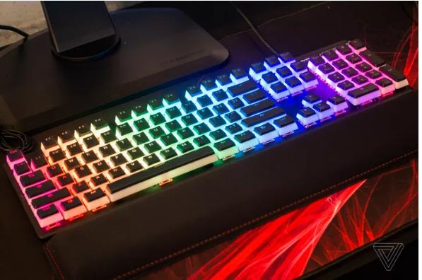 HyperX ra mắt bàn phím chơi game tích hợp switch riêng