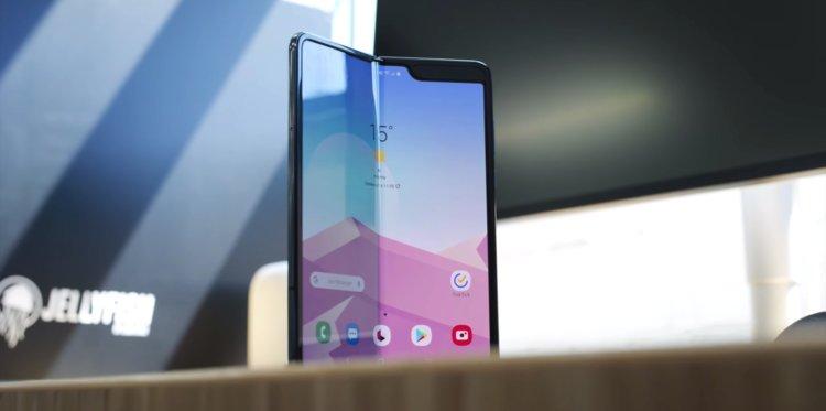 Samsung phải hủy toàn bộ đơn hàng nếu không giao Galaxy Fold trước 31/5
