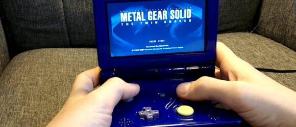 Máy chơi game tích hợp phần cứng Nintendo Wii vào vỏ máy Game Boy SP