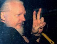 Anh thông qua yêu cầu dẫn độ Julian Assange về Mỹ
