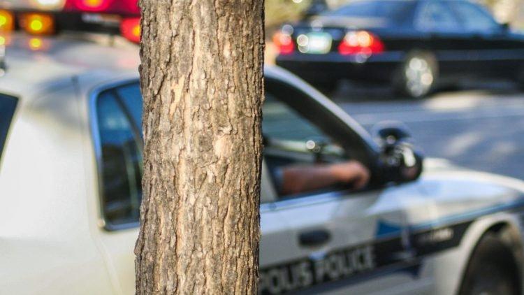 Nữ cảnh sát thắng kiện 585.000 USD vì bị lạm dụng quyền riêng tư