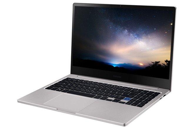Ra mắt Samsung Notebook 7 thiết kế giống hệt Macbook Pro, giá từ 1.000 USD
