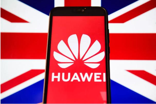 Anh vẫn chần chừ trước lệnh cấm Huawei