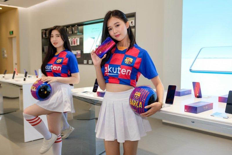 OPPO Reno 10x Zoom bản giới hạn FC Barcelona về Việt Nam, giá 25 triệu đồng