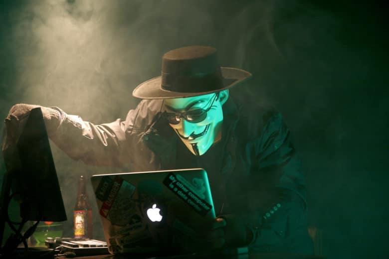 Apple treo thưởng 1 triệu USD cho hacker phát hiện lỗ hổng bảo mật trên iOS